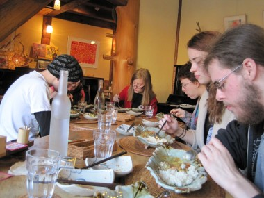 The unschoolingers/homeschoolers/worldschoolers dining at Yaokan Restuarant between Gojo and Gion District in Kyoto, Japan.