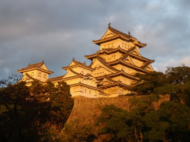 The sun setting on Himeji-jo Castle.